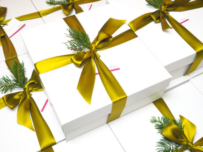 Firemní dárkové balíčky plné pochutin