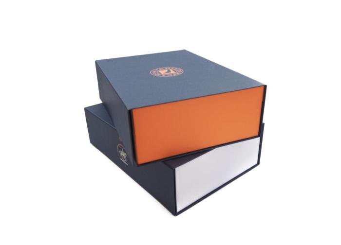 Magnetická krabice na zakázku v libovolné barevné kombinaci